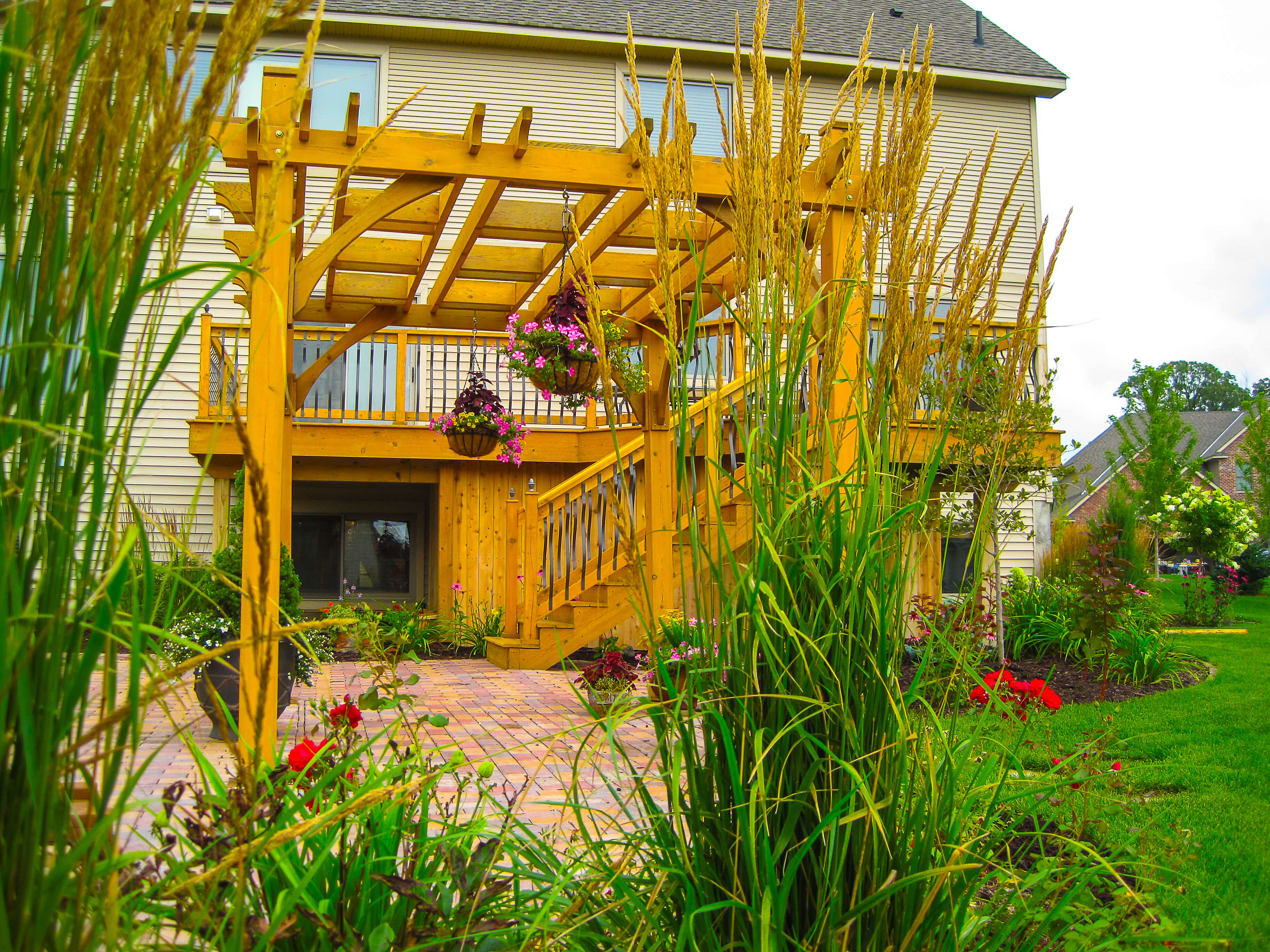 3 reason you should consider a pergola in your outdoor space - Landscape elements that you should consider for your yard ...